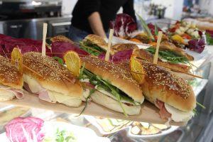Sandwich per l'aperitivo alternativo alle solite noccioline